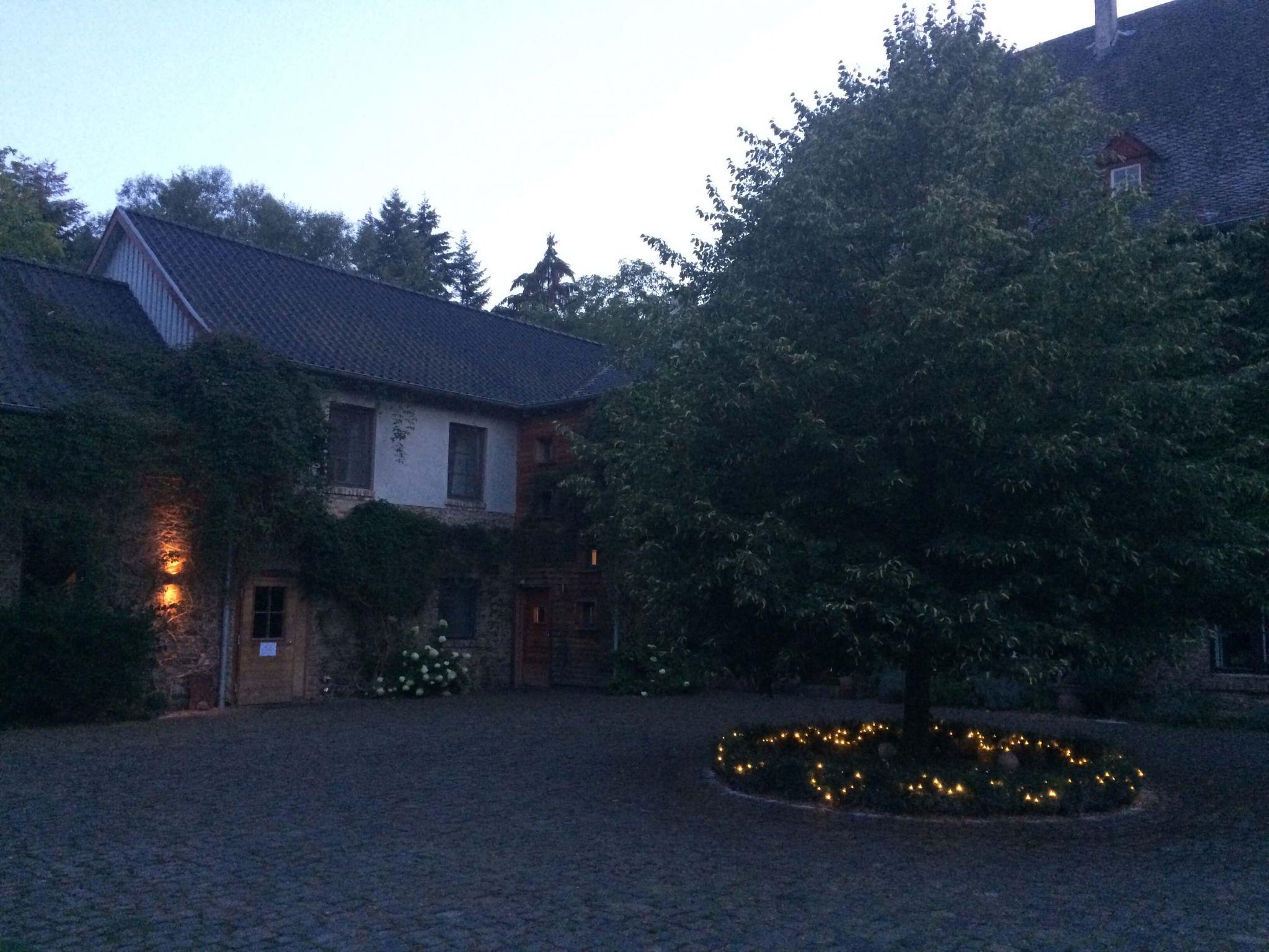 Abendstimmung-Kloster-Schweinheim-wandern&achtsamkeit